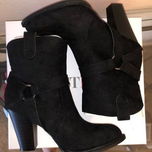 Just Fab Black Booties 8.5 NWT